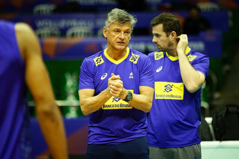 Renan Dal Zotto e José Roberto Guimarães, representantes da seleção brasileira de vôlei, participaram do primeiro encontro de técnicos; CBV monta programação.