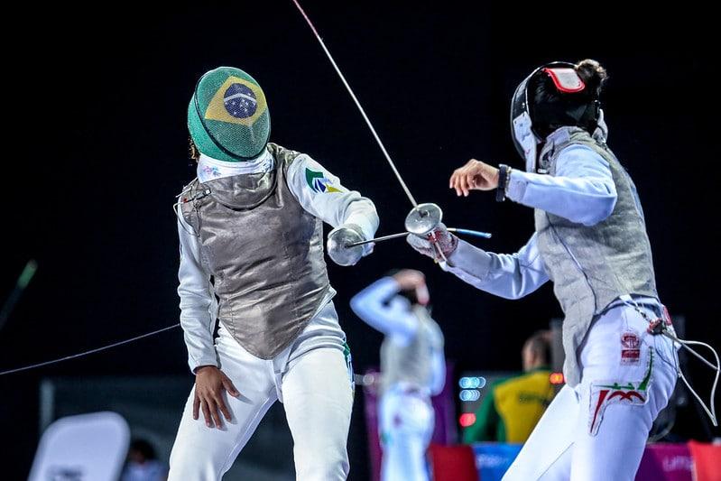Bia Bulcão lamentou a morte do técnico Gennady Miakotnykh, falou sobre a opção de treinar na Itália e quer difundir a esgrima no Brasil.