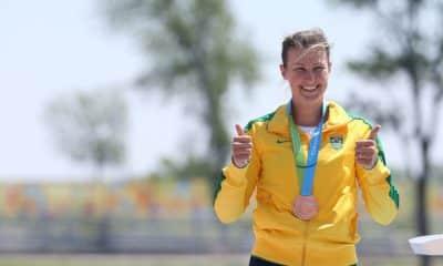 Comissão de Atletas Ana Paula Vergutz Presidente Canoagem
