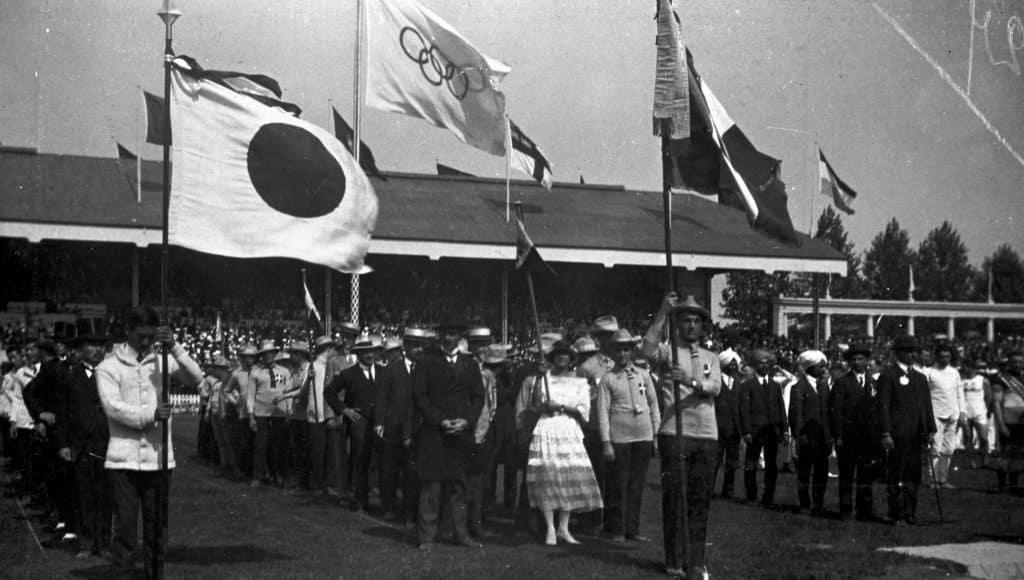 a primeira bandeira olímpica