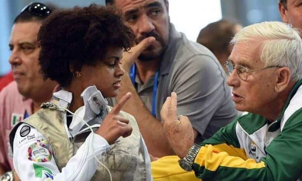 Bia Bulcão celebra definição sobre classificação olímpica esgrima