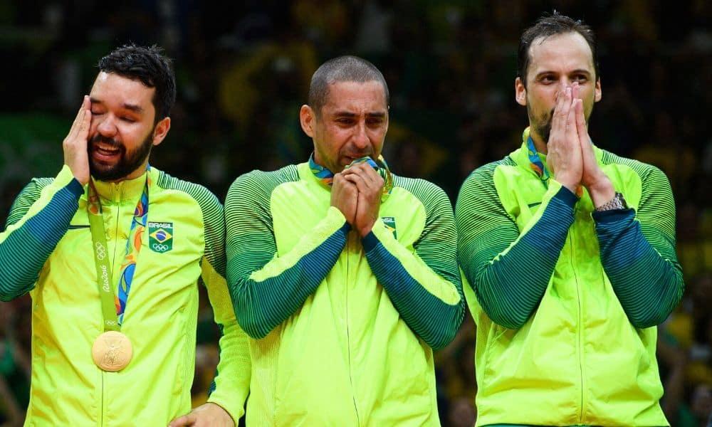 Serginho é homenageado pela FIVB por carreira gloriosa no vôlei