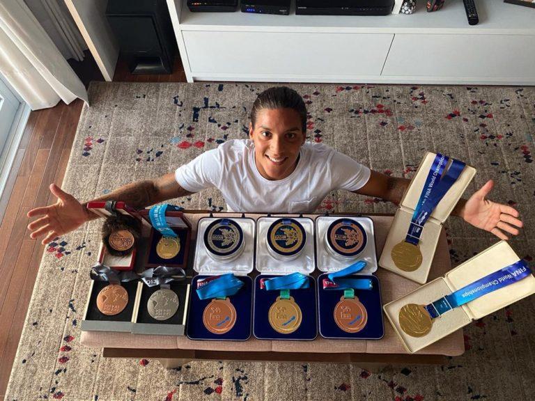 Ana Marcela Cunha conquistou seis vezes o prêmio de melhor nadadora do mundo da maratona aquática