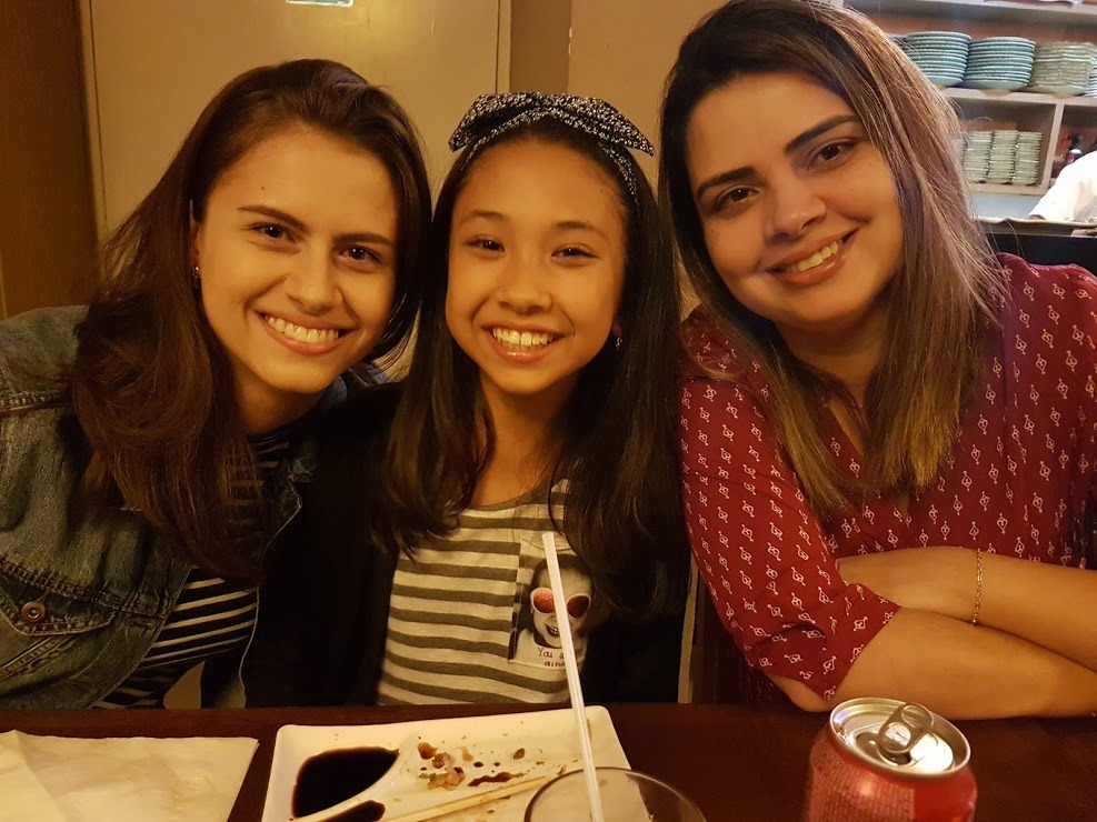 Gisele Takahashi é a mãe de Bruna e Giulia