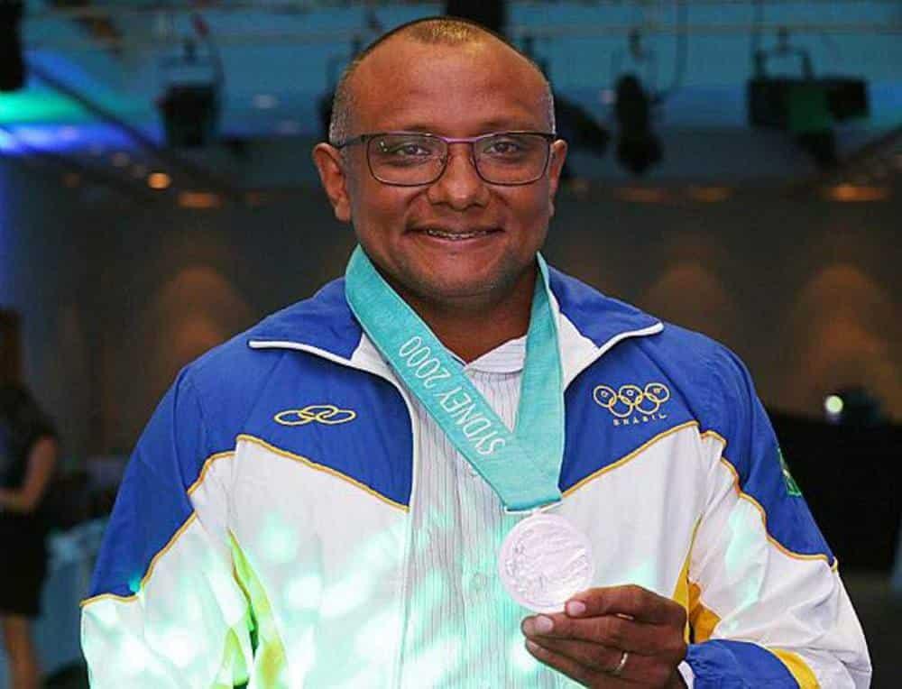 Cláudio Roberto Souza medalha prata atletismo Sydney-2000