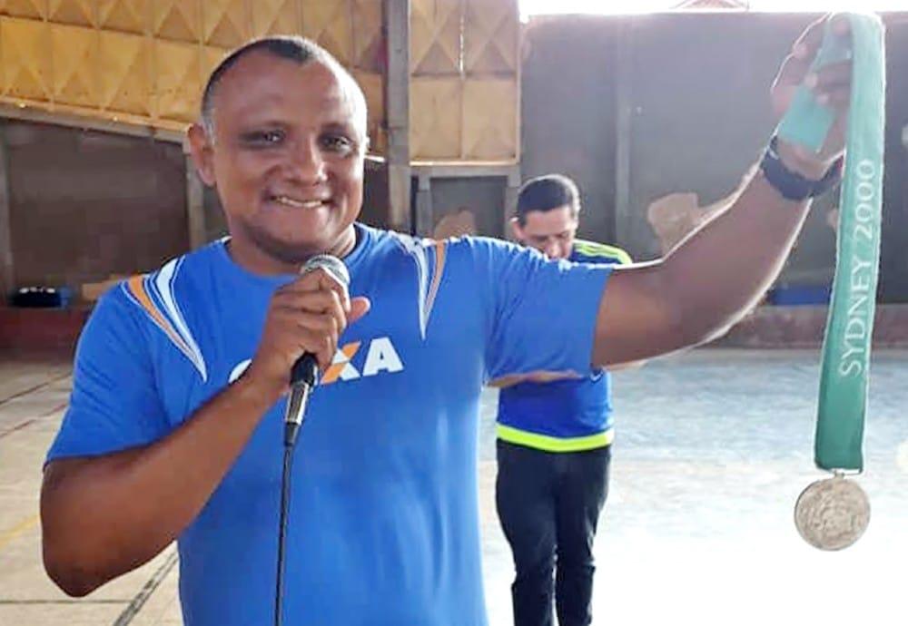 Cláudio Roberto Sousa medalha atletismo revezamento 4 x 100 m
