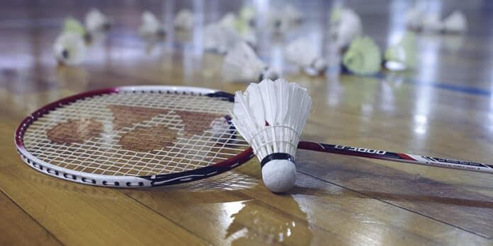 Por conta do adiamentos dos Jogos Olímpicos de Tóquio, a BWF precisou adiar o Campeonato Mundial de badminton cancelamento torneios