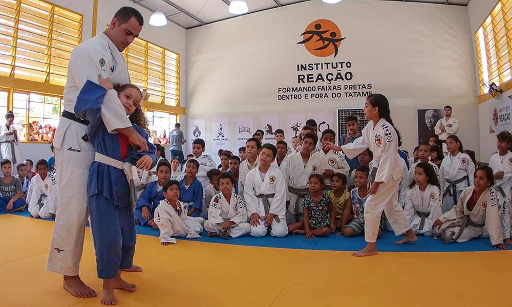 Em live do OTD, David Moura contou como a amizade com Flávio Canto, medalhista de bronze do judô brasileiro, levou o Instituto Reação à Cuiabá.