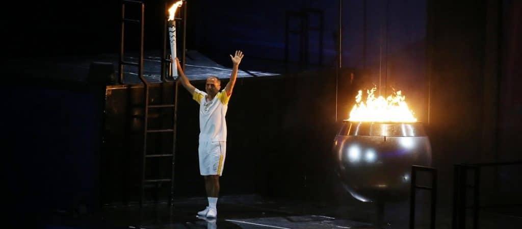 Vanderlei Cordeiro de Lima acendeu a tocha na Rio-2016