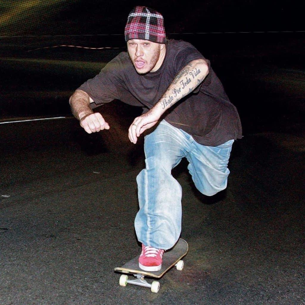 Uma petição tenta colocar Chorão, do Charlie Brown Jr. como personagem do novo Tony Hawk's Pro Skater; Bob Burnquist e Sandro Dias apoiam a ideia
