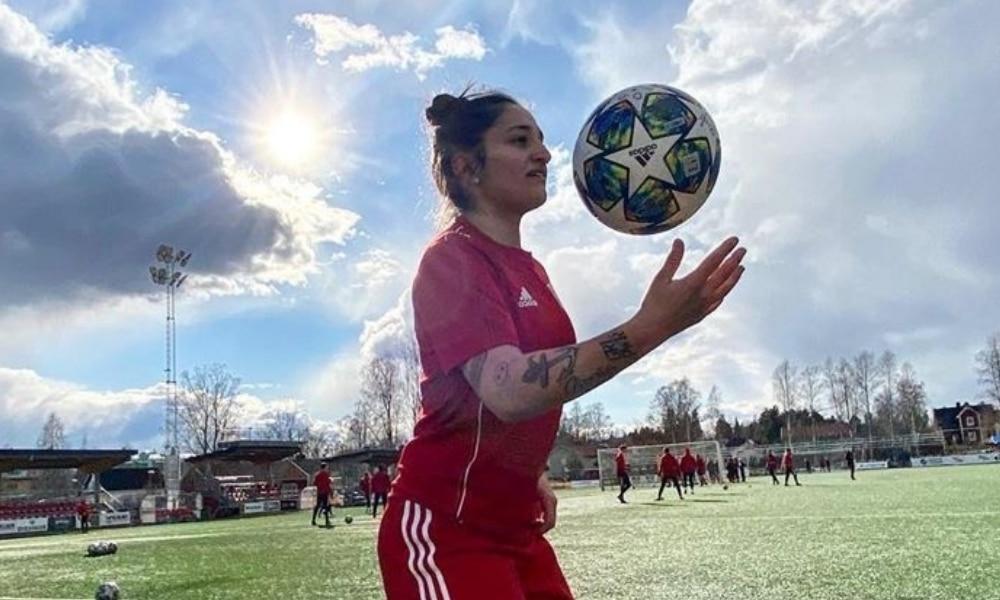 Fernandinha - Pitea - Campeonato Sueco de futebol feminino - Coronavírus