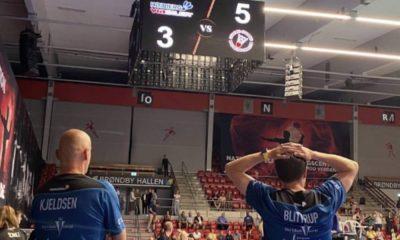 Integrantes do Hojbjerg, time de Ygor Coelho, lamentam a derrota na disputa do bronze da Liga Dinamarquesa (Instagram/hojbjergbadminton)