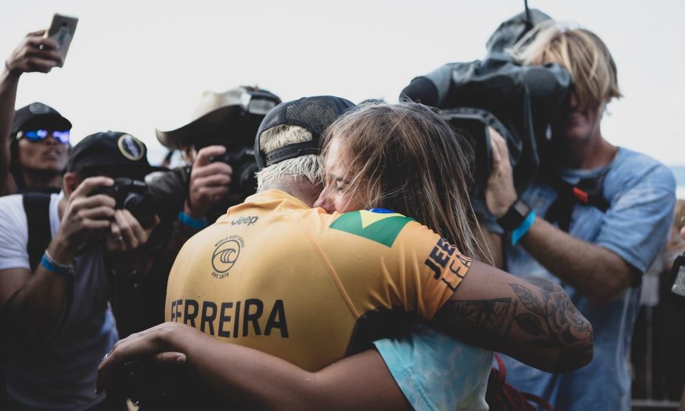 Ítalo Ferreira Surfistas Filipe Toledo