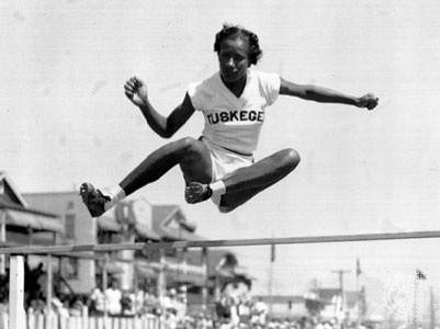 A primeira mulher negra campeã olímpica só surgiu em 1948: Alice Coachman. jogos olímpicos