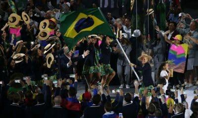 braisl entra na cerimônia de abertura dos jogos olímpicos rio-2016