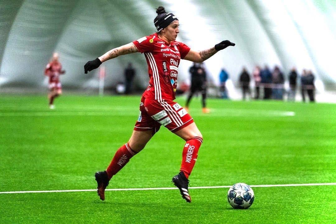 Pitea - Fernandinha - Campeonato Sueco - Futebol Feminino