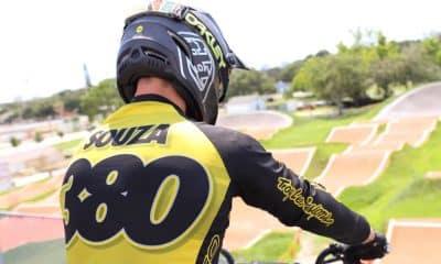 Anderson Ezequiel finalizou neste domingo sua participação na Dixieland Nationals de 2020, etapa do calendário da USA BMX. A competição foi realizada em Powder Springs, cidade do estado da Geórgia, nos Estados Unidos. Em três dias de evento, o ciclista brasileiro venceu na sexta-feira (17) e no sábado (18) e ficou em terceiro no último dia. Andinho foi superado por Jeremy Smith, vencedor, e Joshua Mclean, segundo lugar