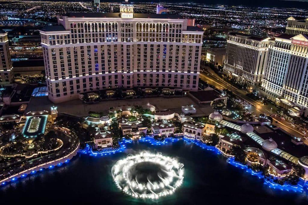 Um erro manual cometido pela equipe do Bellagio, um dos cassinos mais tradicionais de Las Vegas, permitiu que jogadores apostassem em jogos já inciados