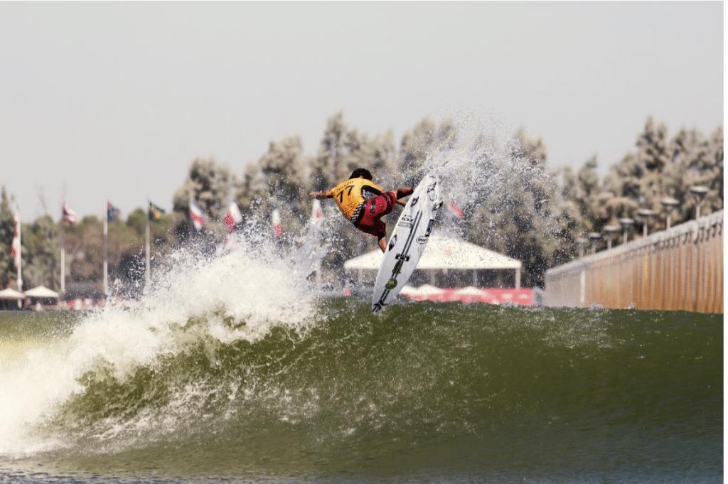 Pela primeira vez em seis meses, uma competição de surfe acontecerá. A WSL anunciou o Rumble at the Ranch, com presenças de Filipe Toledo e Adriano de Souza