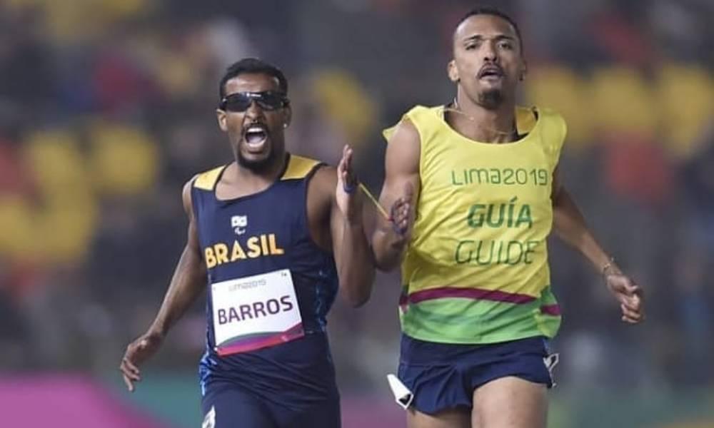 Confiando no Guia, Fabrício Ferreira zerou sua visão para levar medalha