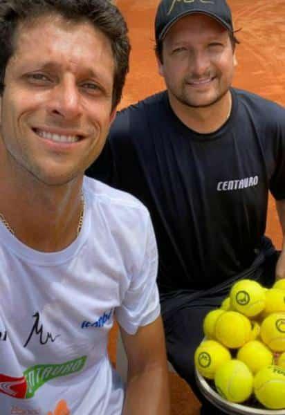 Irmãos, Marcelo e Daniel Melo seguem rotina de treinos em Belo Horizonte (BH);  Tenista e seu técnico visam o retorno às quadras, marcado para 14 de agosto