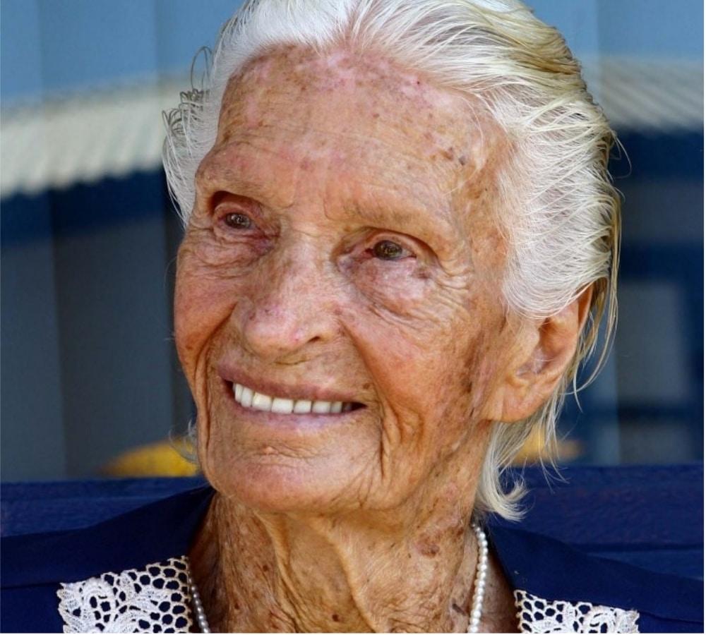 Maria Lenk - Pioneira - Natação - Olimpíada - Primeira mulher brasileira a participar de uma Olimpíada