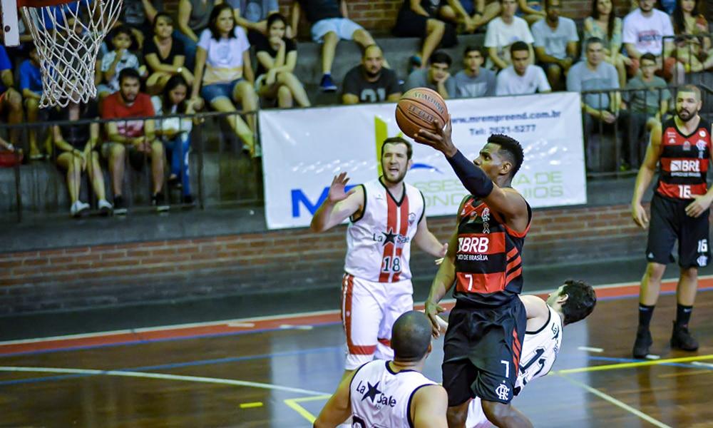 Jhonatan Luz renovação flamengo basquete