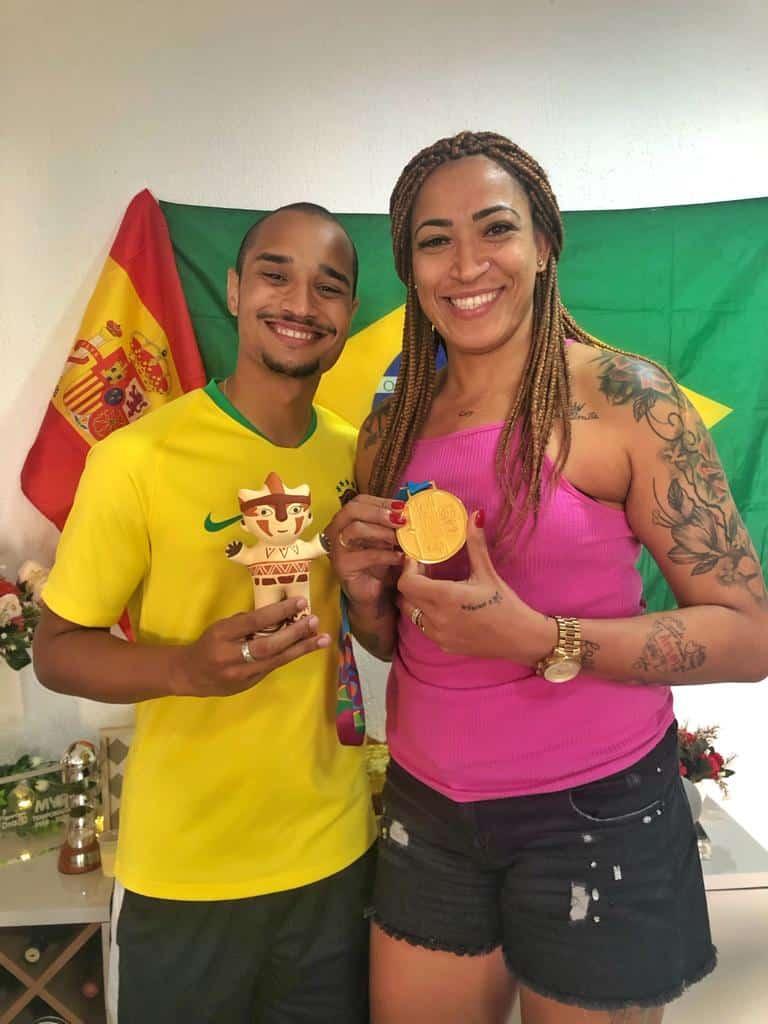 Addler Mendes e Erika Souza