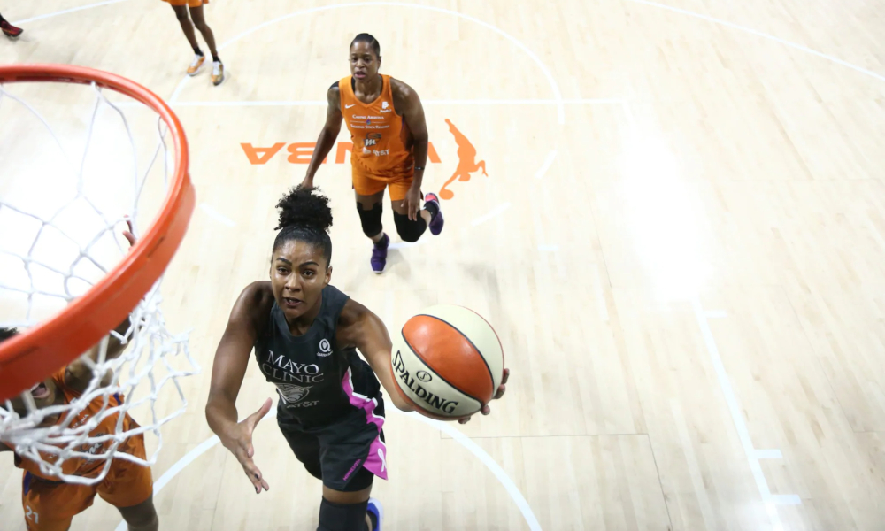 Vão começar os Playoffs da WNBA. O Minesotta Lynx, de Damiris Dantas, aguarda o vencedor entre Phoenix Mercury e Washington Mystics