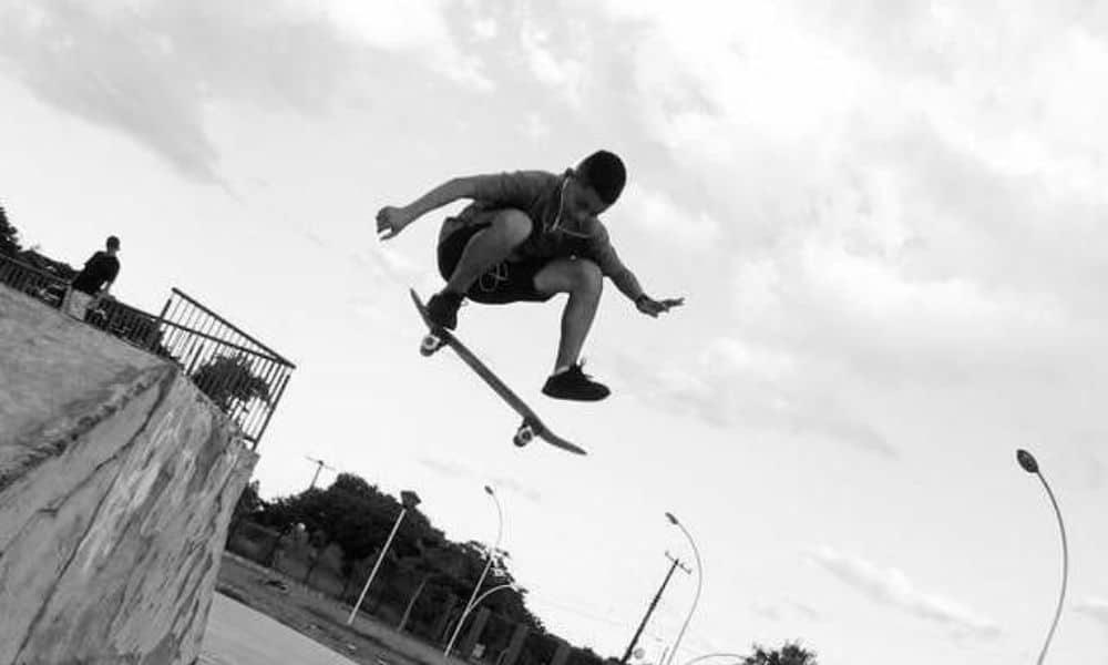 Guilherme Sato, da seleção brasileira Sub-15 de skate street