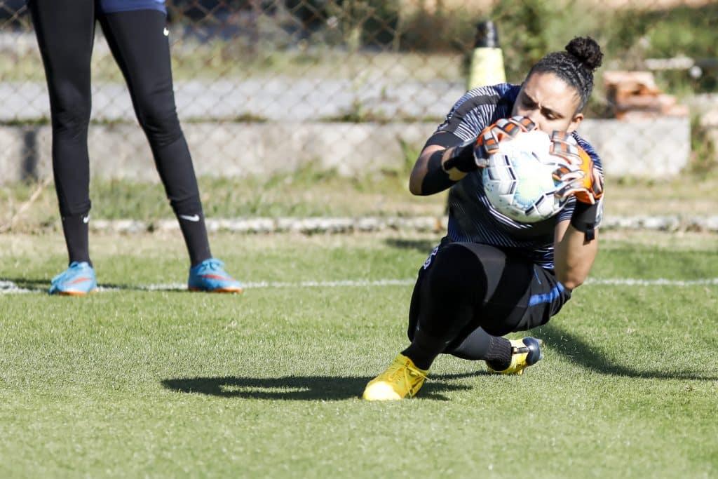 A equipe de futebol feminino do Corinthians treinou com o grupo completo pela primeira vez em 147 dias nessa segunda-feira (10)
