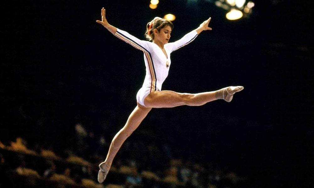 Nadia Comaneci ganhou um ouro e um bronze no solo feminino dos Jogos Olímpicos