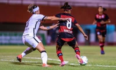 O Corinthians venceu o Flamengo nesta segunda-feira (31) em partida que encerrou a sexta rodada do Brasileiro Feminino. E a vitória começou a ser construída com um recorde, já que a atacante Victoria Albuquerque marcou o primeiro aos 14 segundos, o gol mais rápido da história da competição. Com o resultado de 3 a 1, o Timão chegou aos 15 pontos e assumiu a vice-liderança com a mesma pontuação do líder Santos