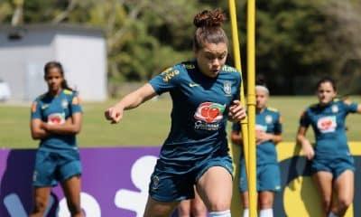Lateral da Seleção Feminina Sub-17, Ana Clara exalta período de treinos