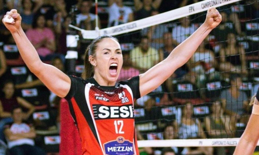 Andressa Picussa atuará longe do país pela segunda vez