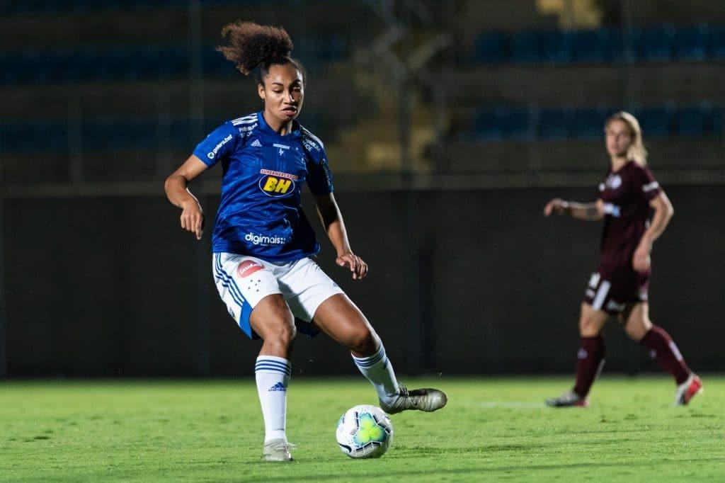 Cruzeiro vem de derrota para o Ferroviário na última rodada (Ao vivo: Internacional x Cruzeiro - Brasileiro Feminino)