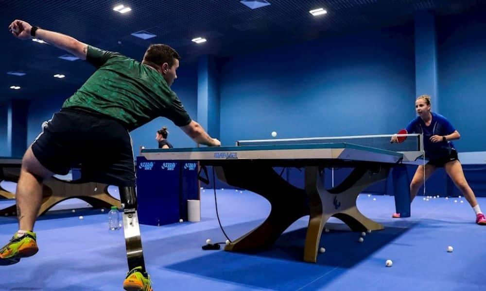 paralímpicos tênis de mesa prótese