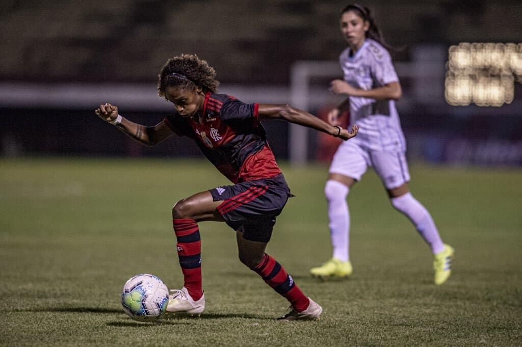 Flamengo bate o Grêmio e encosta no G8 do Brasileiro Feminino