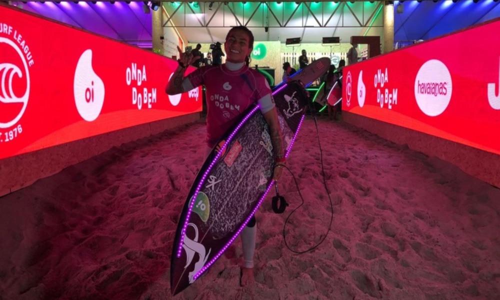 Silvana Lima Ondas do Bem Surfe