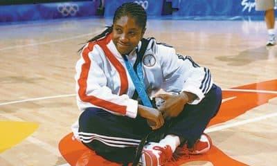 Com cinco medalhas de Jogos Olímpicos no currículo, Teresa Edwards pode ser considerada a maior atleta da história do basquete (Reprodução)
