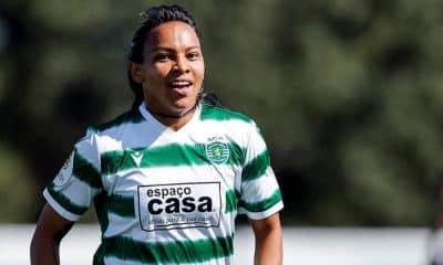 Raquel Fernandez anotou três gols na goleada do Sporting