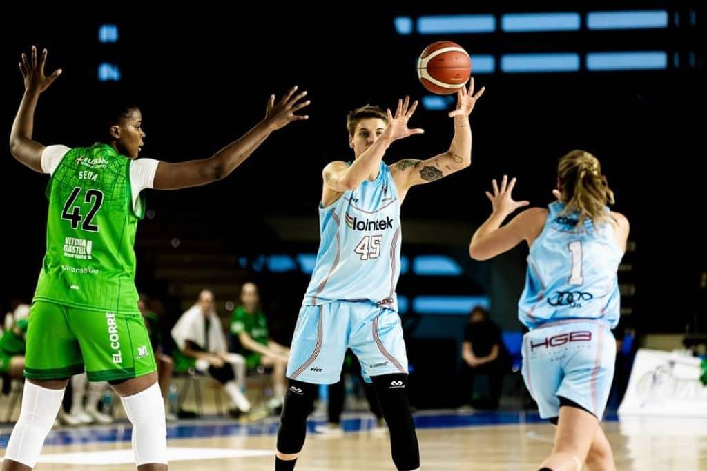 Nádia Colhado contribuiu em mais uma vitória na liga feminina