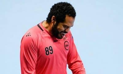 Time de César Bombom segura empate fora de casa e lidera grupo na Liga Europeia de handebol