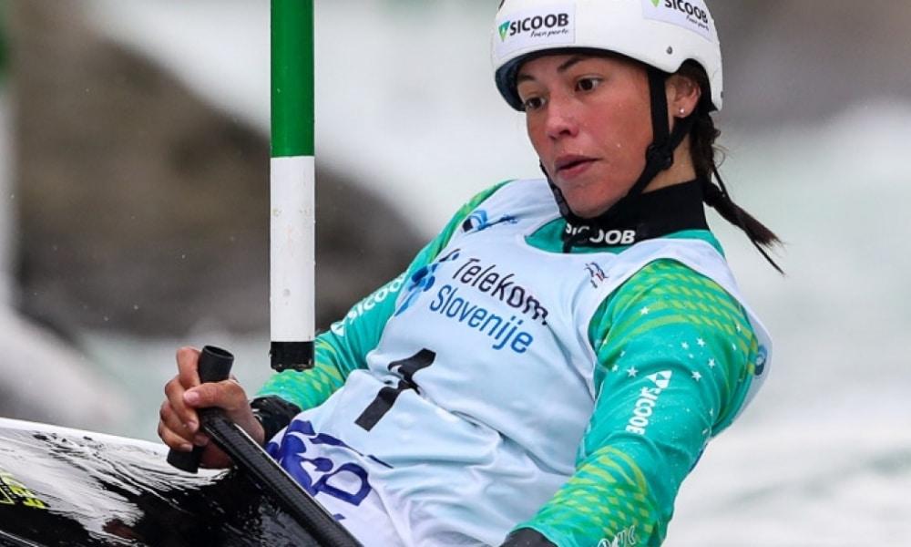 Ana Sátila (foto) e Pepê Gonçalves são os competidores brasileiros em destaque na canoagem slalom (Bence Vekassy)