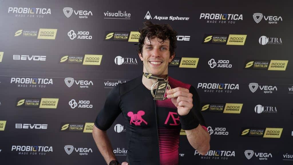 Manoel Messias, Djenyfer Arnold e Luisa Baptista estrearam SLT Indoor Series, competição de triatlo indoor em um formato diferente; OTD também fez a prova