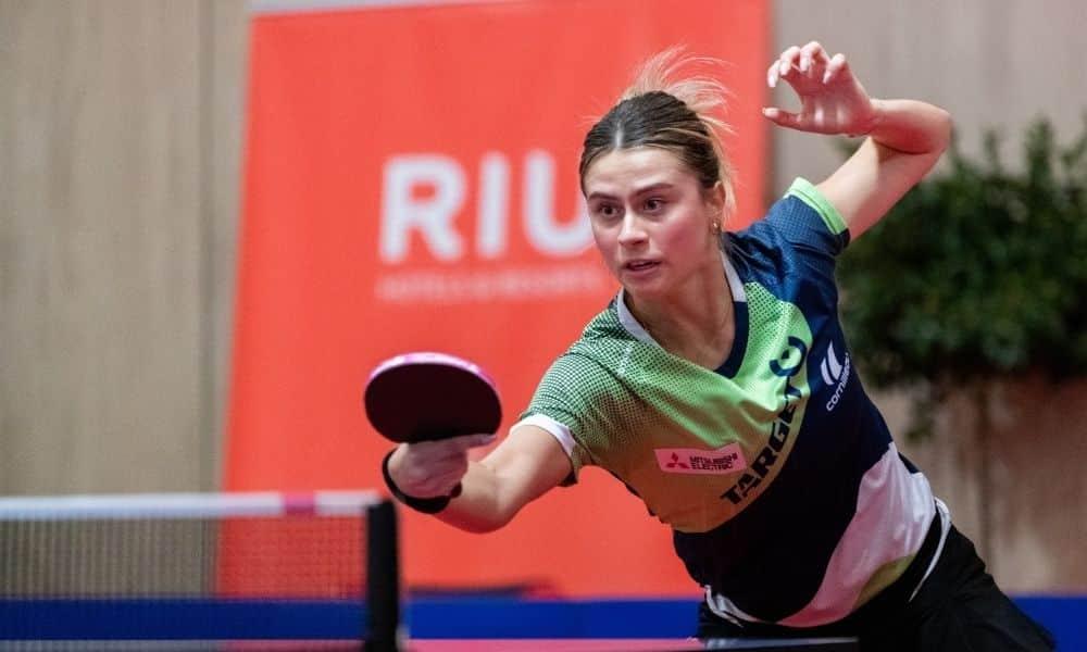 Bruna Takahashi jogando na Espanha