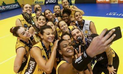 Praia Clube é campeão do Troféu Super Vôlei feminino