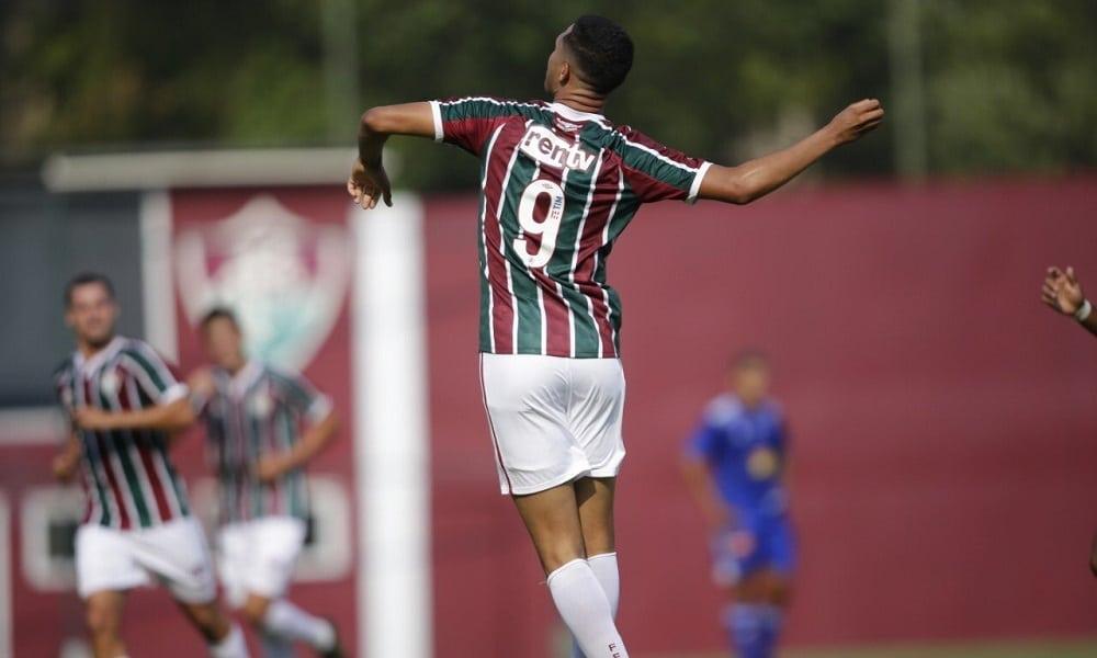 Fluminense goleia o Cruzeiro e lidera o Brasileiro sub-20