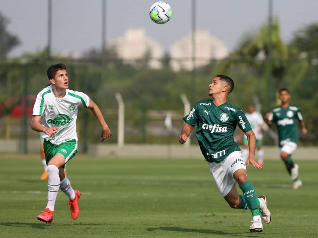 Palmeiras é surpreendido e é goleado pela Chapecoense