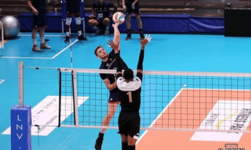 O brasileiro Daniel Cagliari, de 2,00m e 22 anos, entrou em quadra inspirado nesta sexta-feira (23). Atleta do Cambrai Volley, o oposto anotou 38 pontos na derrota de sua equipe para o Arago de Sète, fora de casa, por 3 sets a 2, pela Liga Francesa de vôlei masculino. Em duelo disputado no ginásio Halle Louis Marty, em Sète, a equipe da casa venceu com parciais de 18/25, 29/27, 29/31, 28/26 e 15/13, em 2h37min de partida